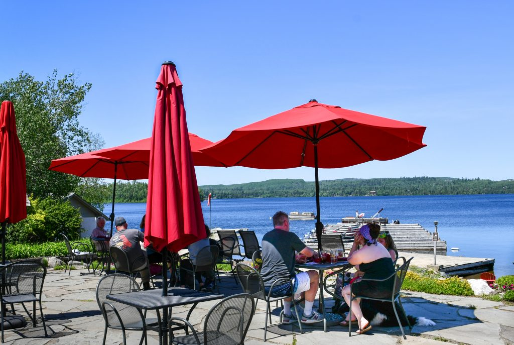 outdoor dining at the Gunflint Lodge
