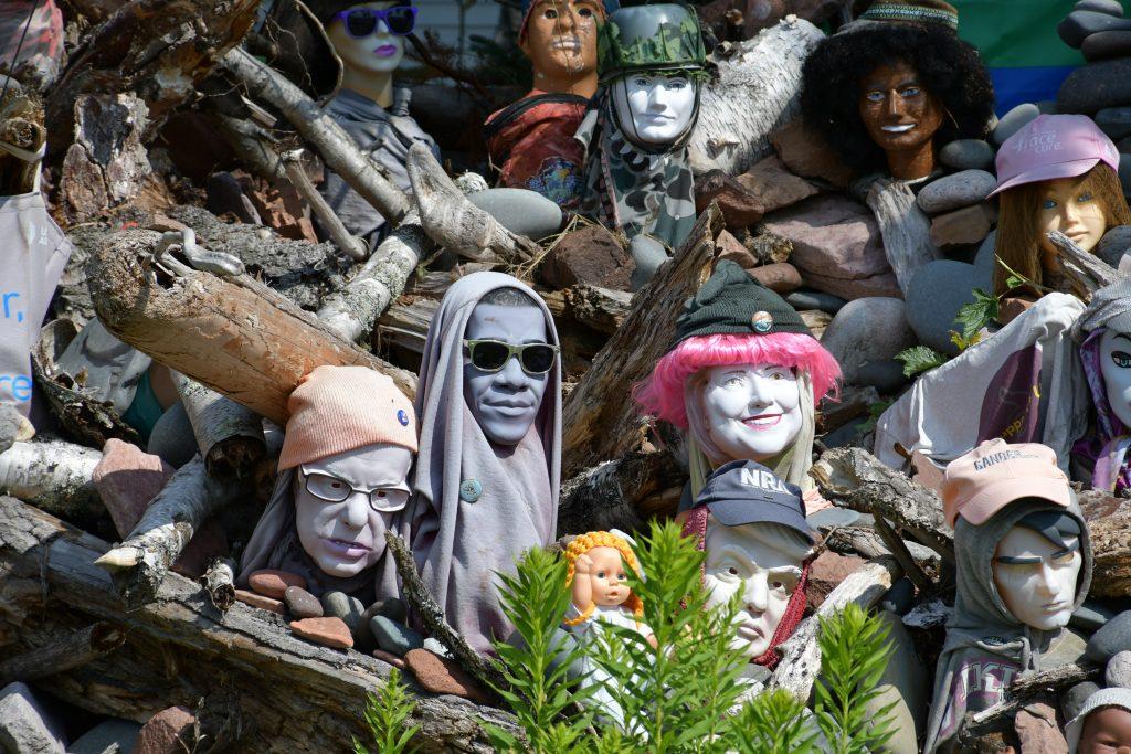 mannequin heads in roadside art, hovland, mn